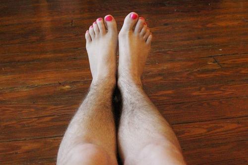 triệt lông chân cách nào tốt
