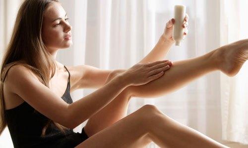 dưỡng da trước khi tẩy lông