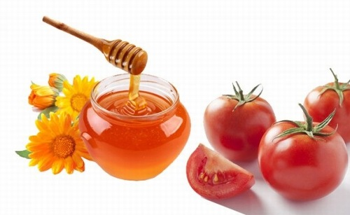 triệt lông chân bằng cà chua và mật ong