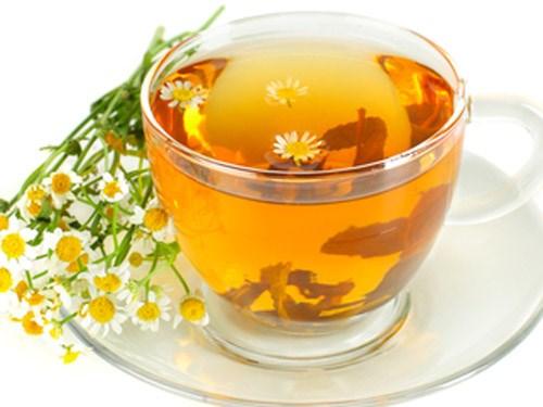 mẹo tẩy lông tại nhà bằng trà hoa cúc