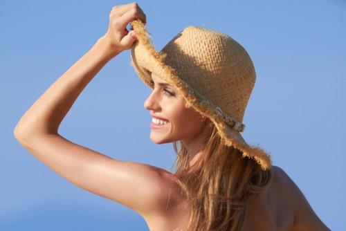 Ngay sau khi triệt lông nếu để da tiếp xúc với ánh nắng mặt trời da sẽ nhạy cảm, dễ bắt nắng và gây ảnh hưởng không tốt.