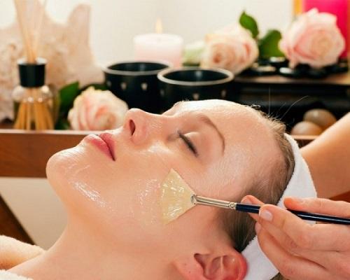 Mặt nạ dầu dừa vô tình khiến lông mặt mọc nhiều hơn.