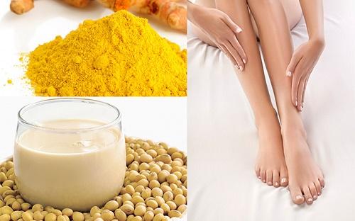 Kết hợp bột nghệ với sữa đậu nành là cách tẩy lông chân hiệu quả và an toàn,, giúp làn da căng mịn tự nhiên.