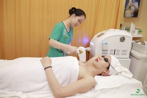 Thu Cúc Clinics đang ứng dụng phương pháp triệt lông mặt bằng Laser Diode.