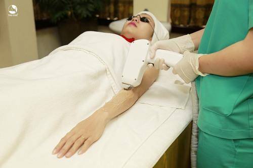 Các chuyên gia da liễu khẳng định rằng triệt lông vĩnh viễn không gây hại gì tới làn da và sức khỏe.