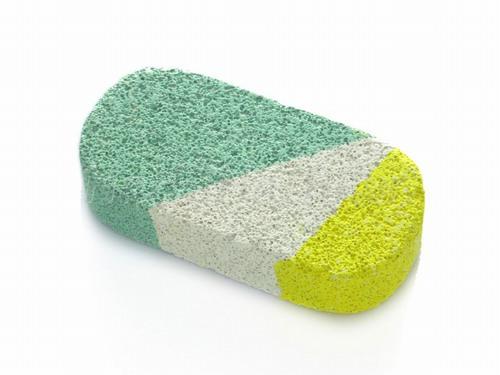 Tắm bằng đá kì ngoài tác dụng làm sạch, giúp da mềm mại và tống khứ lớp tế bào chết trên da thì còn có tác dụng loại bỏ những sợi lông cứng đầu trên da.