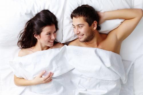 Triệt lông vùng kín tạo sự mới mẻ trong quan hệ vợ chồng, giúp đời sống chăn gối thêm thú vị, thăng hoa.