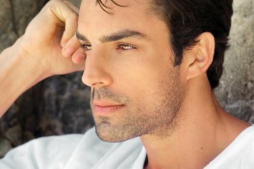 Tư vấn cách triệt lông râu cho nam giới bằng waxing là phương pháp được đông đảo chị em ấp dụng.