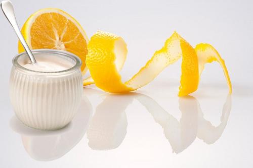 Thành phần trong sữa chua có nhiều dưỡng chất có khả năng làm trắng da.
