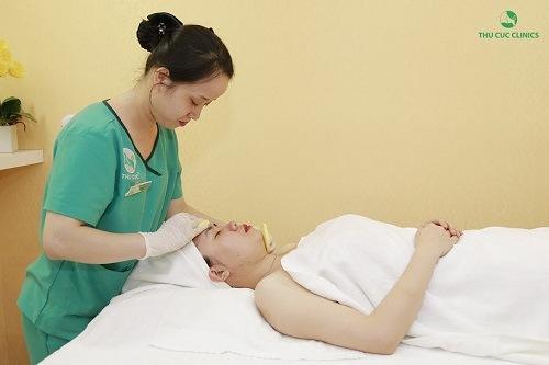 Thu Cúc Clinics đang ứng dụng phương pháp điều trị viêm nang lông bằng công nghệ Laser IPL đem lại hiệu quả nhanh chóng.