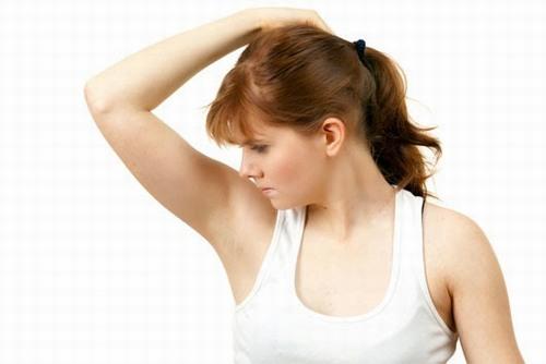 CHUYÊN GIA DA LIỄU: điểm danh những lý do không nên nhổ lông nách 2