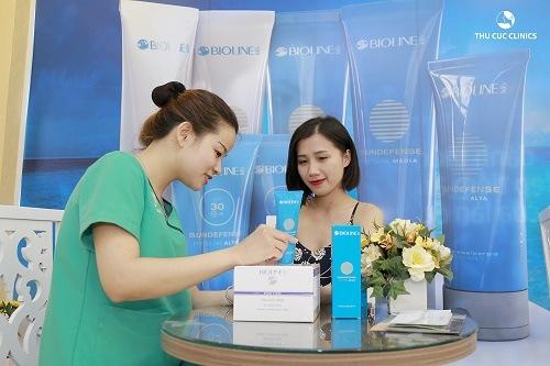 Thu Cúc Clinics đang ứng dụng phương pháp trị viêm nang lông bằng công nghệ Laser IPL.