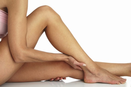 Trước khi triệt lông bạn phải đảm bảo được rằng vùng da triệt lông sạch sẽ, đã được làm sạch và loại bỏ tế bào chết.