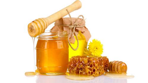 Thêm 1 cách se khít lỗ chân lông sau khi sinh dành cho chị em đó là dùng mật ong nguyên chất.