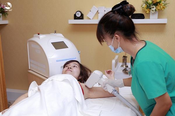 """Để """"xử lý"""" lông nách triệt để một cách an toàn, hiệu quả thì bạn nên tìm đến công nghệ Laser Diode ở Thu Cúc Clinics"""