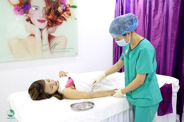 Thu Cúc Clinics đang ứng dụng phương pháp triệt lông Laser Diode có tác dụng cải thiện tình trạng viêm nang lông hiệu quả.