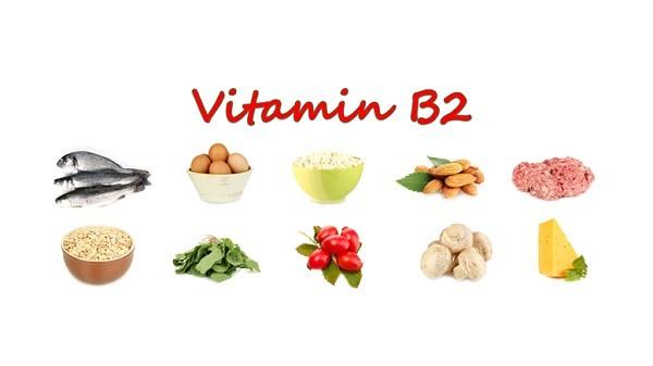 Hãy thực hiện 1 chế độ ăn khoa học, tăng cường nạp nhiều vitamin B2, B6 để hạn chế tiết nhờn, làm tăng hiệu quả se khít lỗ chân lông.