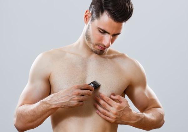 Cạo lông, wax lông, tẩy lông bằng kem hay bằng các nguyên liệu tự nhiên là cách mà nam giới thường sử dụng để loại bỏ vùng lông gây bất tiện