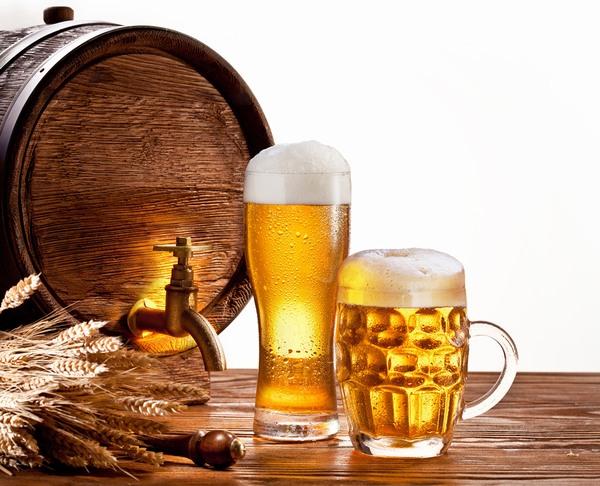 Tuyệt chiêu se khít lỗ chân lông bằng bia 2