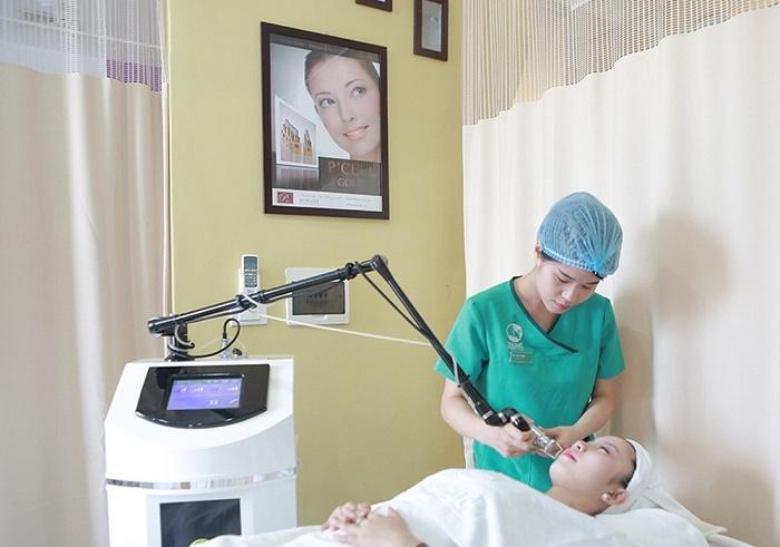 Công nghệ trị viêm chân lông bằng Laser Co2 tại Thu Cúc Clinics - Spa trị viêm lỗ chân lông uy tín đem lại hiệu quả tối ưu.