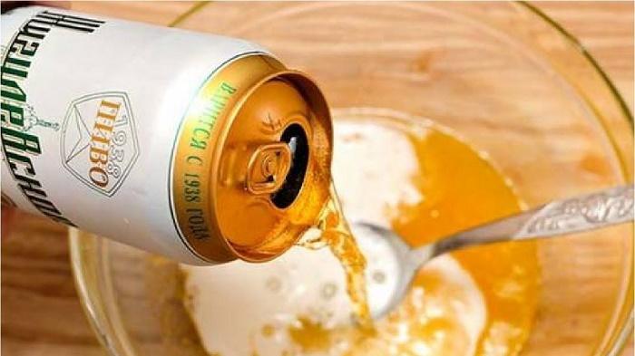 Cách se khít lỗ chân lông bằng bia nguyên chất rất dễ thực hiện ngay tại nhà với chi phí rẻ.