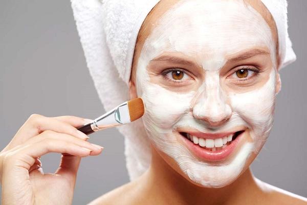 Làm trắng da từ bột mì rất an toàn nên có thể áp dụng cho mọi loại da mà không gây kích ứng.