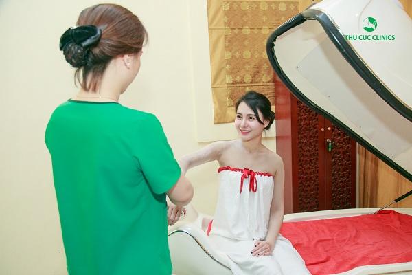 Công nghệ tắm trắng phi thuyền tại Thu Cúc Clinics được thực hiện với quy trình rất khoa học.
