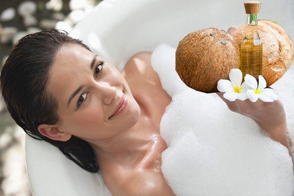 Làm trắng da từ dầu dừa và sữa tươi có thể áp dụng cho mọi loại da mà không gây kích ứng làn da nhạy cảm.