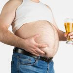 """Uống bia có béo không? – Sự thực về """"bụng bia"""""""